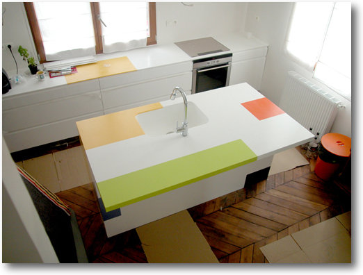 Plan de cuisine corian lot central color crea for Cout ilot central cuisine